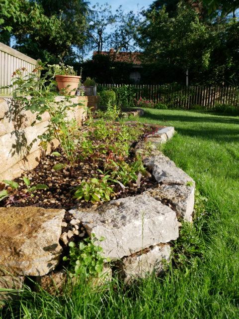 Trockenmauer Muschelkalk - Oliver Franke Naturgärten